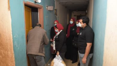 Photo of بمشاركة الطلاب: جامعة القاهرة توزع 145 بطانية وتقدم مساعدات إنسانية لأهالي عشش السودان بالجيزة
