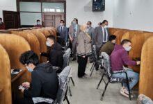 Photo of نائب رئيس جامعة بنها لشئون التعليم يتفقد أول اختبار الكترونى لطلاب كلية الحاسبات و سير الامتحانات بكلية الحقوق