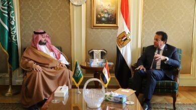 Photo of وزير التعليم العالي يستقبل الأمير عبدالعزيز بن طلال بن عبدالعزيز لدعم آليات التعاون